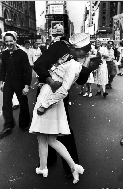 VE-Day Kiss