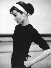 Audrey-Hepburn-audrey-hepburn-30174987-500-668